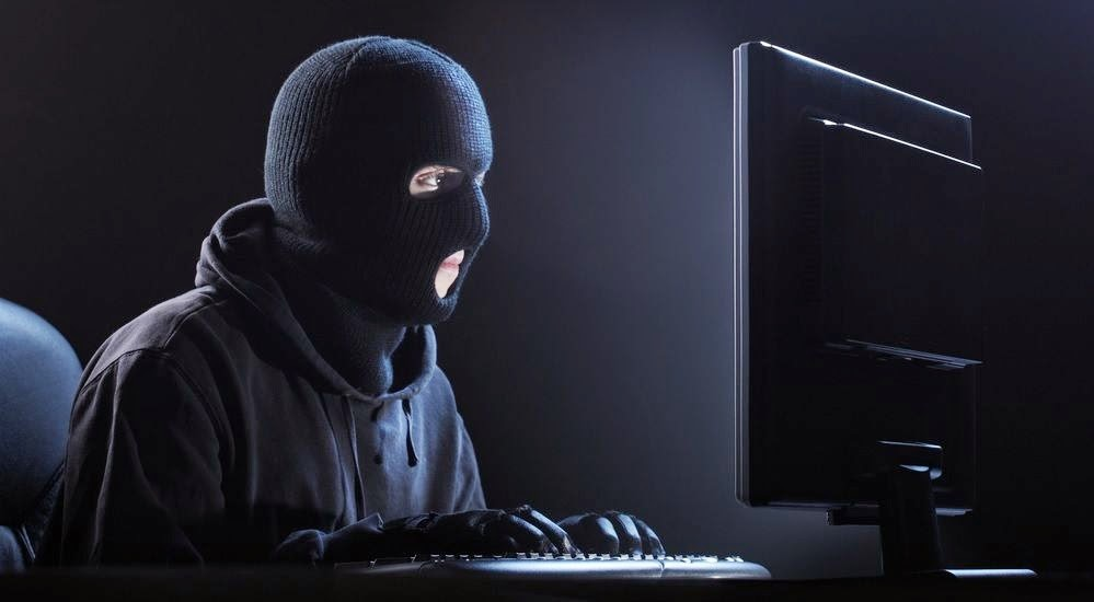 Hackerler siyasetcilerin özel bilgilerini twitter'da paylaştı aralarında Türk milletvekili Özlem Çekic'de var